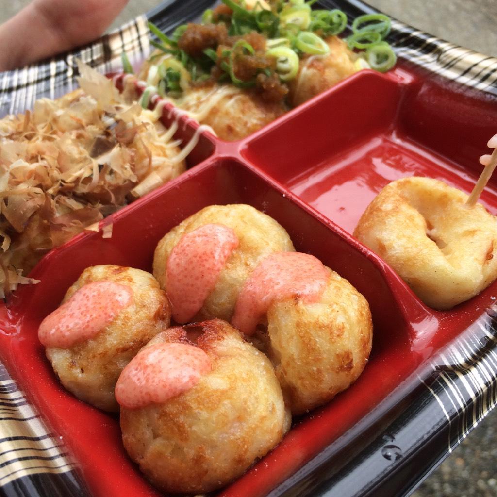 大阪城にきましたがまずタコ焼きをたべます http://t.co/IgQ0BC4FVj