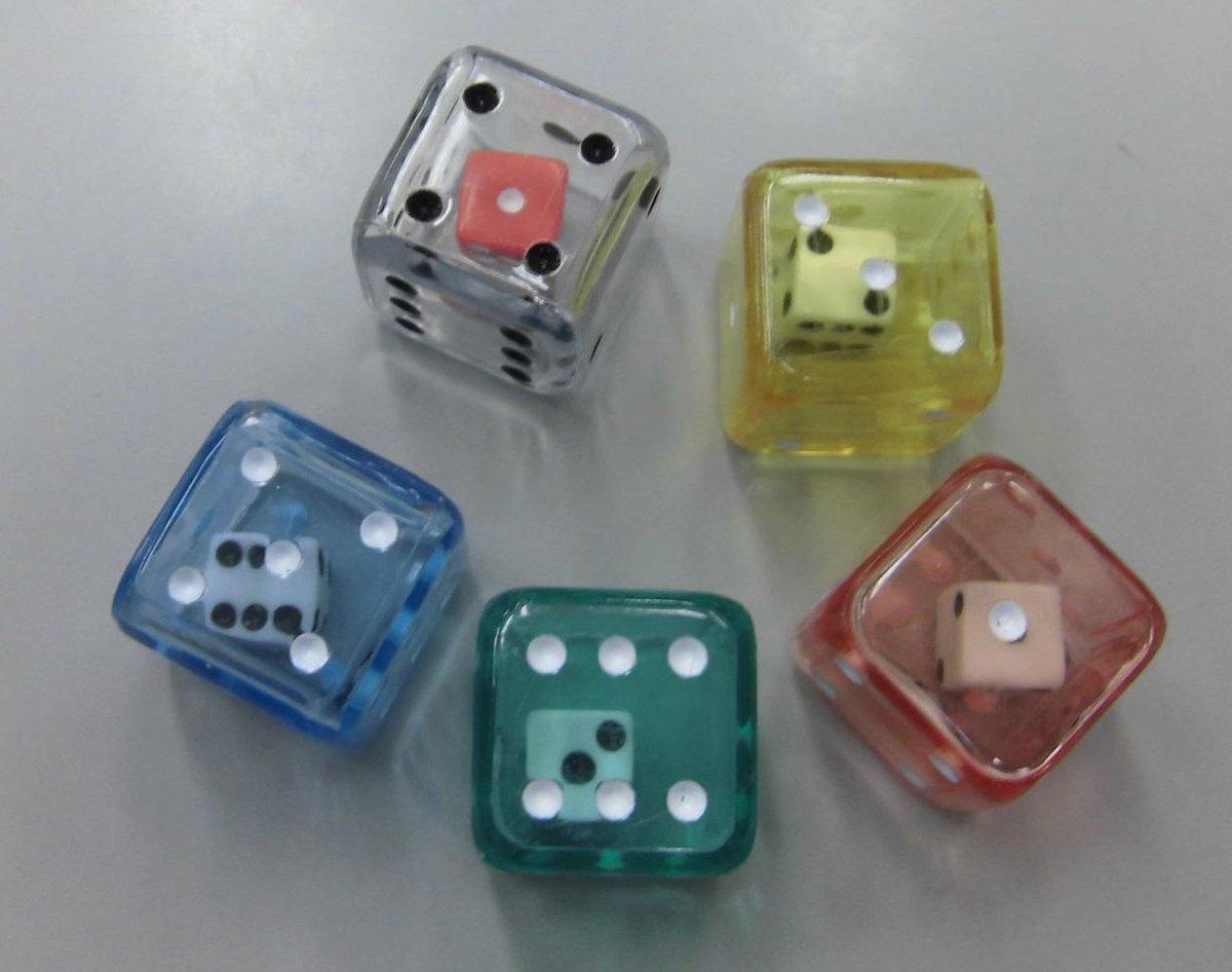 1回振るだけでダイス2個分の数値が出せる『ダブルダイス』各色入荷いたしました! http://t.co/emHMMzfos0