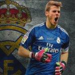 ¿Veis necesaria la incorporación de David De Gea al Real Madrid? RT= No FAV = Si #HalaMadrid #genius http://t.co/uIFAUNChiE