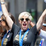 .@mPinoe will be honored with a Golden Scarf before #SEAvPOR with #USWNT teammate @hopesolo! http://t.co/TnIKO0UA0E http://t.co/5Zd6O75Qsr