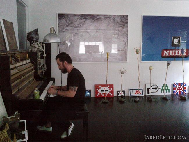.@ShannonLeto plays piano. #blastfromthepast #NFTO http://t.co/BJVU912xYk