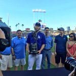 .@ClaytonKersh22 is presented with the 2014 Warren Spahn Award, given to the best left-handed pitcher in @MLB. http://t.co/0v1t9ghKfA