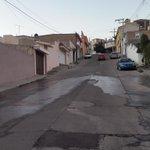 Gran fuga de agua potable en Calle de la centella,  fracc Los Remedios ... Ojalá @AMD_Durango pueda acudir pronto http://t.co/kE41006m1J