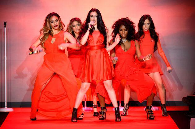#WorthItVMA – Will @FifthHarmony be honored for their hit single at tonight's #MTVVMAs? http://t.co/rZFpyvQN6v http://t.co/67ulHvgBfh