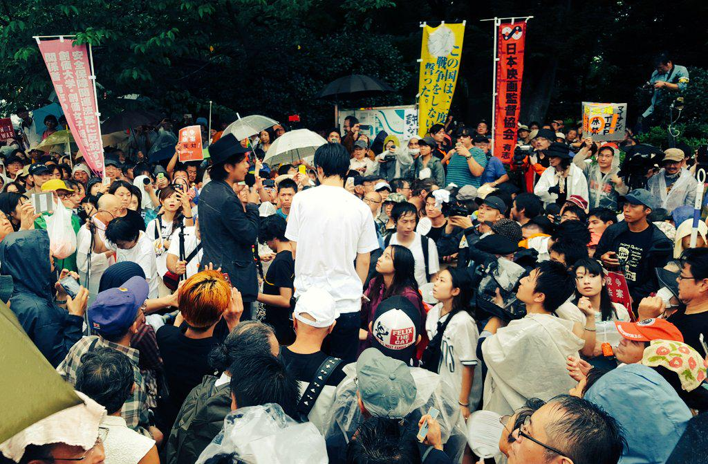 http://twitter.com/wakamono_kenpou/status/637889199706759168/photo/1