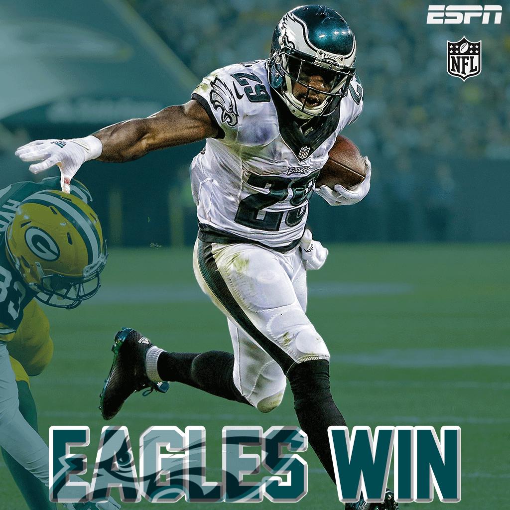 FINAL: @Eagles beat the Packers, 39-26. #PHIvsGB   Sam Bradford: 10-10, 121 YDS, 3 TD