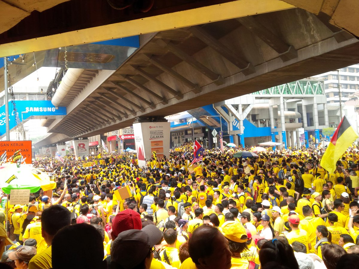 Semangat #bersih4 recharged. Today's crowd is going to be a winner! http://t.co/XNbJML1Urr