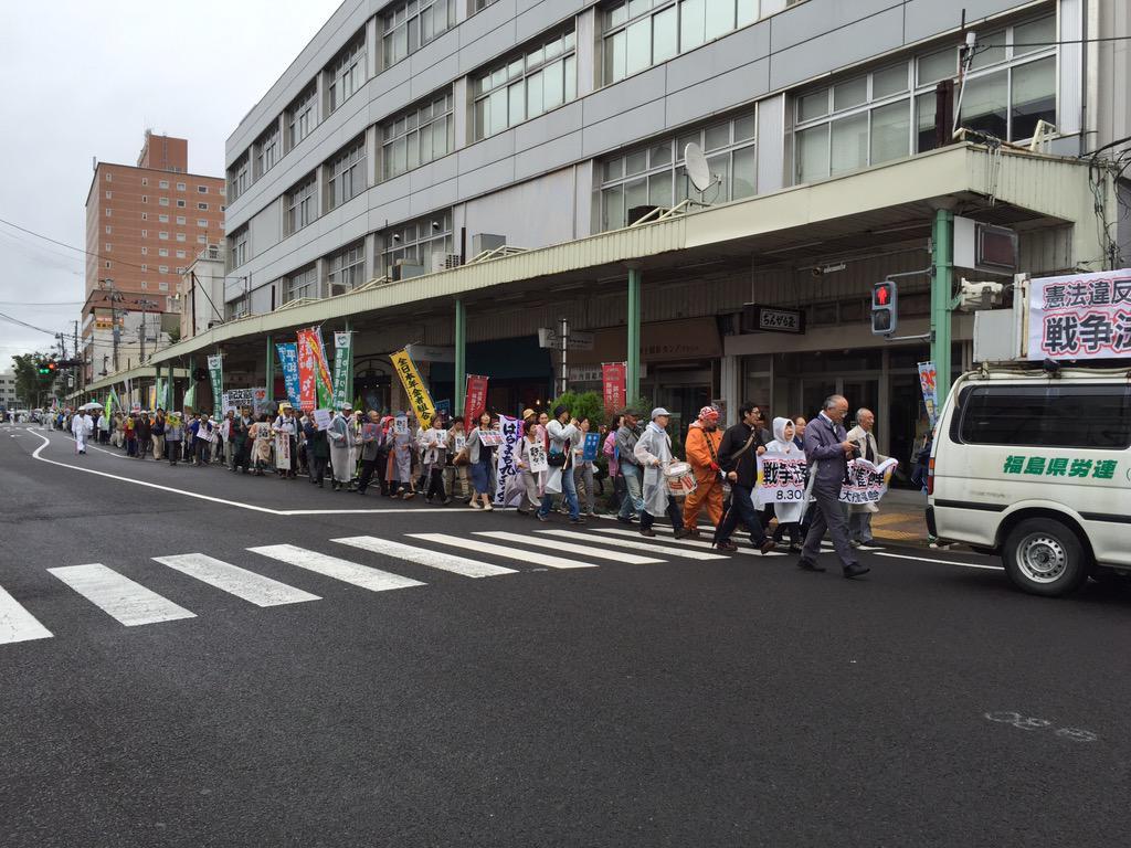 なかなかやるやん、福島市。かなり長い人の列。 http://t.co/UQHJIOaDNb