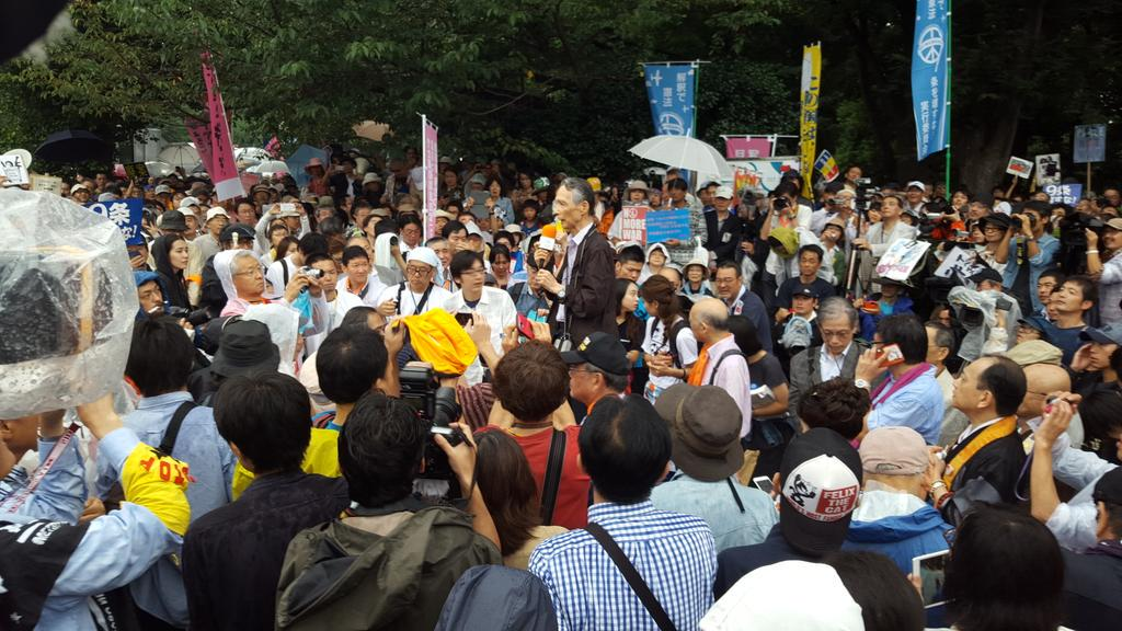 http://twitter.com/wakamono_kenpou/status/637874829547323394/photo/1