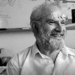 The NYT obituary for Oliver Sacks, the neurologist and author who explored the brain's quirks http://t.co/HFtvb8lh8K http://t.co/JsR91epB6J