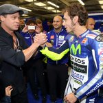 #BradPitt got to see @ValeYellow46 #HittingTheApex first hand at #BritishGP!WATCH THE TRAILER:https://t.co/uuEH6yx5ia http://t.co/xI8nHL7Qi0