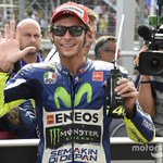 FULL REPORT: @ValeYellow46 wins British #MotoGP at @SilverstoneUK , as Marc Marquez tumbles. http://t.co/noh1GRUsEp http://t.co/o2OeCuLY85