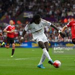#Swans come from behind to beat #MUFC 2-1 in the #BPL. @BafGomis hits the winner. http://t.co/NFLlvZxkWU http://t.co/ongSOh7zdD