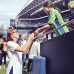 The lovely @hopesolo showing some #Seattlelove to the fans at the @SoundersFC match! #SEAvPOR http://t.co/XxyfKGtXQw