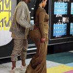 e a gestação da kim kardashian que é na bunda http://t.co/nUAxzb9Ttf