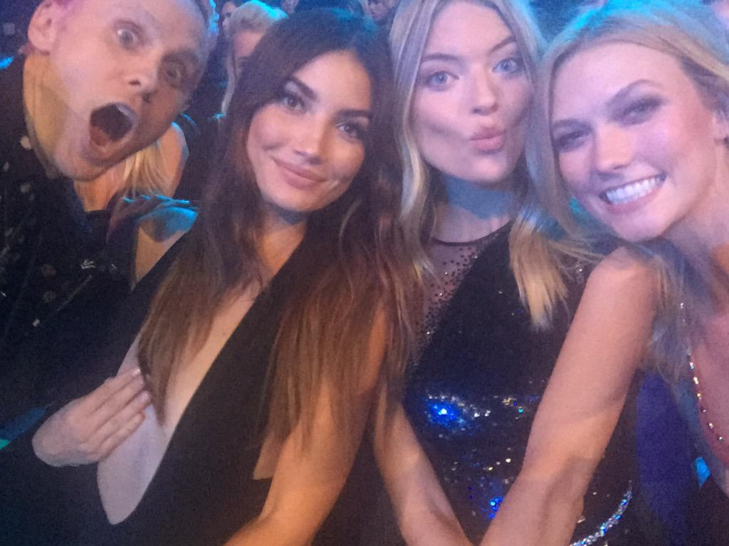 Just a regular Sunday night. #VMAs #FrontRowSelfie http://t.co/GaifRH5qTD