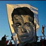 حينما تأتي الذكري نقف أمام أنفسنا ونجد أننا مقصرين في حق من فقدناهم محمد عبد الوهاب رحمة الله عليك واسكنك فسيح جناته http://t.co/IdaRX0y6Ms