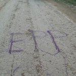 Muy cerca de la estancia de Cartes apareció un extraño escrito. Es una advertencia del EPP? http://t.co/EOHTm37ZLO http://t.co/Ef72H5LcLu