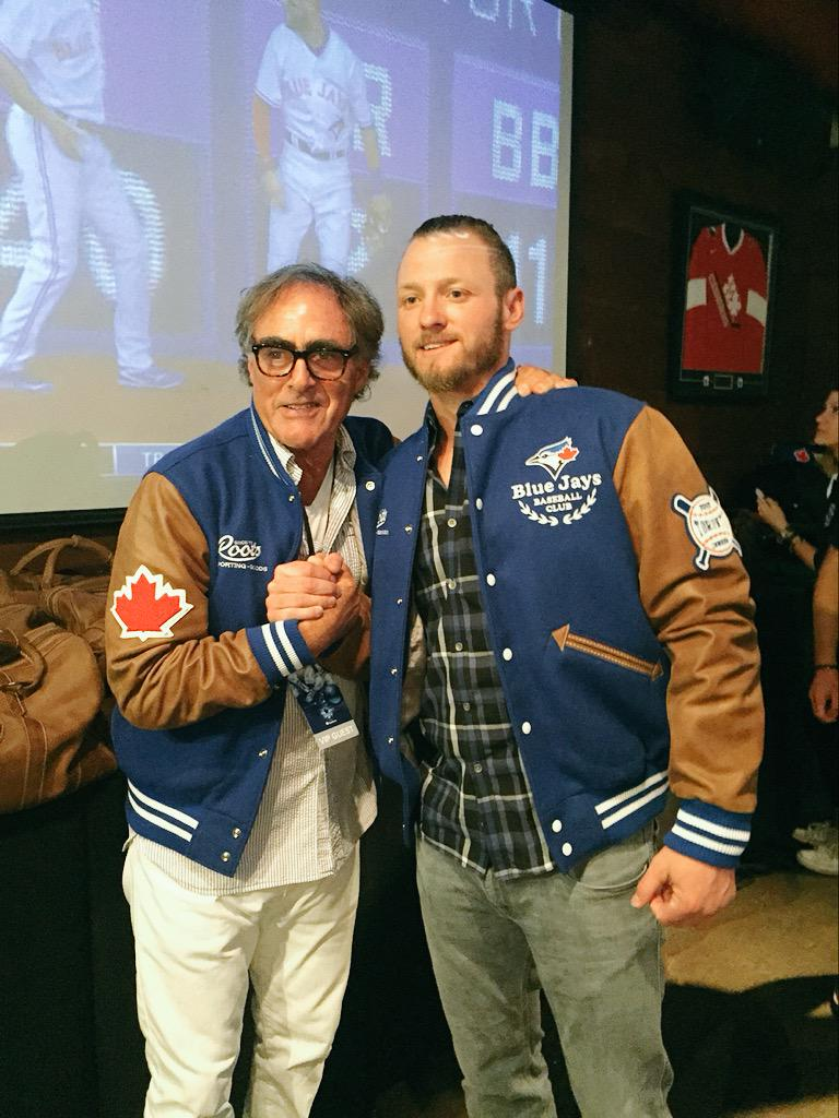 The man of the night @BringerOfRain20 and our Co-Founder Michael Budman for @JaysCare @BBBSToronto #BaseBOWL. http://t.co/ZZC5UJ6iL8