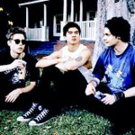 Were gonna have a massive vote attack in 12 minutes! Whos joining us?! #ShesKindaHotVMA http://t.co/YKrPNW0A8i
