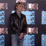 New music, new look from @JustinBieber! Cant wait for the #WDYMVideo premiere tonight #VMAs http://t.co/P4BaWr5Rde