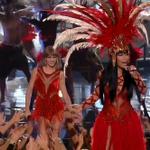 O homem branco capitalista representado pela Taylor e o índio curumim representado pela Nicki. #VMAs http://t.co/d5FRJ1Pxie