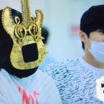 150831 김포공항 #종대 #CHEN 스엠은 음원을 내주세여.........(!) 기타맨 수고해써영 ♥ ♥ ♥ ♥ ♥ ♥ ♥ http://t.co/u37oElaolK