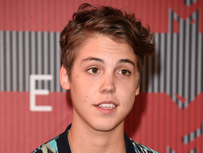 We LOVED @TheMattEspinosa's jacket tonight on the red carpet: http://t.co/dlaeT30NK0 #VMAs #MatthewEspinosa http://t.co/BMABRTbm5Z