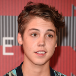 We LOVED @TheMattEspinosas jacket tonight on the red carpet: http://t.co/dlaeT30NK0 #VMAs #MatthewEspinosa http://t.co/BMABRTbm5Z