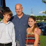 #US Вместе с детьми убит автор расследования трагедии 11 сентября http://t.co/5cJ234Y7ab http://t.co/oyI7audQKr