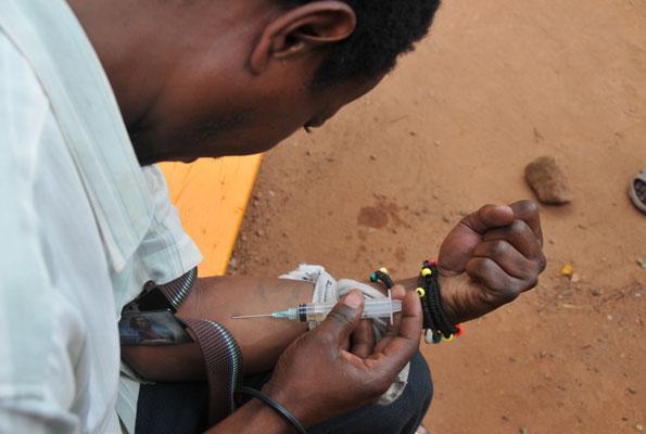 Fight against drugs should be national via @ureportke - scoo