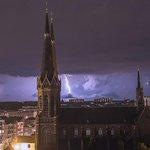 dit is zondagavond tegen twaalven #tilburg #codegeel http://t.co/3PSvbesmP8