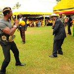 #PictureOfTheWeek @gololamoses meets @KagutaMuseveni (Source: @StateHouseUg) http://t.co/wkzNJZGdRD
