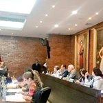 Nuevamente @MauricioRodasEC corta mi intervención. Seguramente mis interrogantes no tienen respuesta #Metro #Quito http://t.co/r4Il5kwgSI