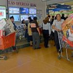 Televisores, celulares y útiles, entre lo que traen a #Ecuador desde #Colombia. http://t.co/g8okQzcDKm http://t.co/aiLxsDfLBE
