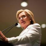 Poll: Hillary Clintons Iowa lead over Bernie Sanders shrinks to 7 points http://t.co/ZFnl1zL0Gp http://t.co/zmF5Az6E1R