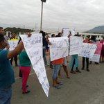 Moradores de Socio Vivienda 2 exigen más seguridad en el sector. Vía @angel2aguirre http://t.co/Dx8yxgyu0j