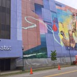 The mural on the @ATT building off ML King Blvd is really coming along! http://t.co/0OY0JdoLQ4