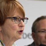 [EN DIRECT] Lucienne Robillard propose la fin du monopole de la SAQ http://t.co/z4TfZO2ls8 http://t.co/ga3ugwoOoW