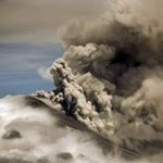 #VolcánCotopaxi continúa expulsando vapor y ceniza; persiste alerta amarilla► http://t.co/MKZPC2D8Fm http://t.co/yGb55d0Dsi