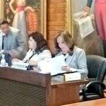 Lista en la sala de Concejo para debatir sobre el Metro de #Quito Sigue la sesión en vivo http://t.co/k7BQjL53kY http://t.co/3Dbs8Vq1Mm