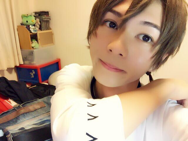 http://twitter.com/younanox0125/status/638368026505515008/photo/1