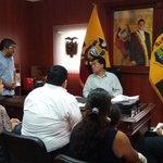 #Machala | Gdor. @CavoZambrano recibe Org. migrantes Articulando con @CancilleriaEc y @AgriculturaEc en su beneficio http://t.co/3j3Zm4Bsg8