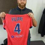 RT + follow pour gagner le maillot de Rodéric Filippi, notre invité ce soir ! #Jplus1 http://t.co/uYQ6DXlJ0G