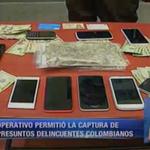 Celulares y alcaloides decomisado a ciudadanos colombianos. http://t.co/TXflz3w4pW http://t.co/cM6yHjHEfJ