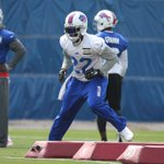 Aaron Williams wore Buffalo Bills running back Fred Jackson (22) jersey today during practice http://t.co/7bTgufKYnI