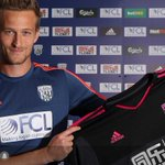 NEW SIGNING: @ManUtd keeper Anders Lindegaard (@ALindegaard) signs 2-year #WBA deal. http://t.co/TxedY2VfOc http://t.co/zGDUuqNJVc