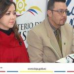 """Mediante rueda de prensa se informó resultados de participación """"Loja Ciudad más Amable"""" http://t.co/PgHLlsqlcv [1/2] http://t.co/zjxgTAQblp"""
