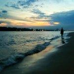 #Hamburg - 24 Grad. Herrlicher Sommer-Abend am letzten August-Tag an der Elbe! #Sunset http://t.co/zrB7WhMlxc