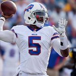 #Bills go bold at quarterback, choose Tyrod Taylor as their 2015 starter: http://t.co/mtQeknDkLT http://t.co/gEzKOYbUVA